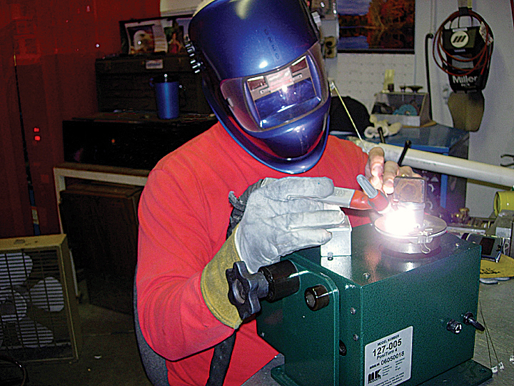 rah-ACC-welding-man-welding-720×540-2019-05-08